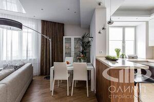 Гостиная трехкомнатной квартиры в современном стиле